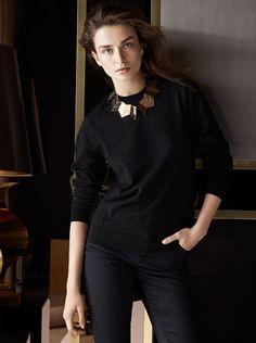 Le collier Ziggy de Louis Vuitton automne-hiver 2013-2014 Andreea Diaconu http://www.vogue.fr/joaillerie/le-bijou-du-jour/diaporama/le-collier-ziggy-de-louis-vuitton-automne-hiver-2013-2014-andreea-diaconu/13174#!2