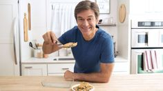 Dr. Oz's no-bake energy bars are designed to help you fight off the mid-day slump! The combination of protein, fiber and antioxidants will stabilize your blood sugar and rev up your energy for hours.