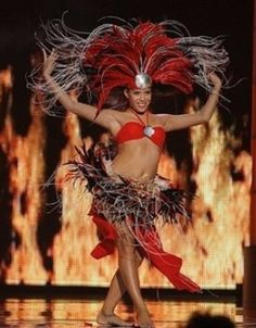 Tahitian Dance- On my list. Polynesian Dance, Polynesian Culture, Tahitian Costumes, Miss Hawaii, Tahitian Dance, Hawaiian Dancers, Hula Dancers, Hula Girl, Beautiful Costumes