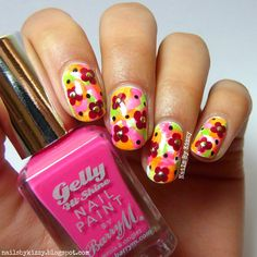 Nails By Kizzy: Watercolour floral nails!