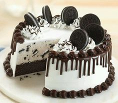 Oreo Cookie Cake-- like the design, now just have to figure out a recipe!