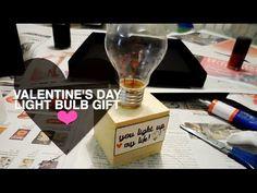 Findest du Rosen und Schokoladedoch ein bisschen langweilig? Gib eurer Beziehung einen Schub und überrasche deinen Geliebten mit DIY Valentinstag Geschenke. Hier findest du eine Menge Geschenk Ideen. Diese Sachen würdest du in einem Geschäft sicher nicht finden. source Romantische Überraschung mit
