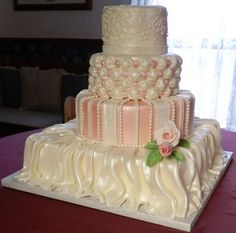 fashionable wedding cake