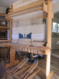 The newly designed and produced loom by Don Bontron