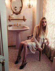 Paris Vogue Oct 2015 - La Vie De Chateau - via Keep it Chic