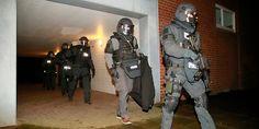 Cop police policeman uniform sek mek swat Polizist Polizei