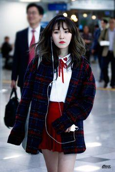 [HQ] 170404 Wendy Heading to KBO Baseball Championship (cr: - - redvlvtwendy Seulgi, Park Sooyoung, Kpop Fashion, Korean Fashion, Airport Fashion, Wendy Red Velvet, Velvet Fashion, Kpop Outfits, Airport Style