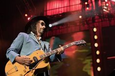 Tom Petty and the Heartbreakers celebrates its 40th anniversary with a two-hour show at the Sprint Center that plumbs the band's deep catalog. Friday, June 2, 2017.