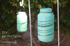 DIY painted upcycled garden lights using mason jars and rubber bands-easy and super cute! Bottles And Jars, Glass Jars, Mason Jars, Cool Diy, Positive Energie, Closet Lighting, Light In, Mini Greenhouse, Diy Wedding Projects