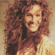 """Julia Roberts in the a thread"" Hair Inspo, Hair Inspiration, Julia Roberts Hair, Curly Hair Styles, Natural Hair Styles, 80s Hair, 90s Hairstyles, Madame, Hair Looks"