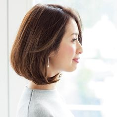 顔立ちすっきり!女性らしいフェミニンな40代ボブスタイルMarisol ONLINE|女っぷり上々!40代をもっとキレイに。 Brown Hair Shades, Short Bob Haircuts, Haircut And Color, Feminine Style, Hair Designs, Beauty Hacks, Short Hair Styles, Hair Makeup, Hair Cuts