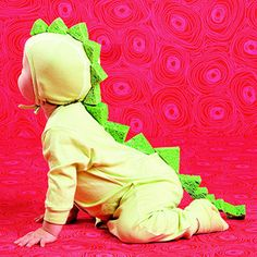 Use sponges for dragon spikes! #costume http://www.parents.com/holiday/halloween/costumes/kids-handmade-halloween-costumes/?socsrc=pmmpin092112HWCDragon#page=3
