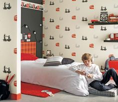 'A Walk in London' kids room, ages 9-12, via MICASA magazine