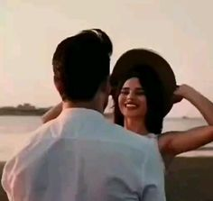 Cute Love Couple Images, Beautiful Words Of Love, Cute Love Pictures, Cute Couple Videos, Cute Love Songs, Video Nature, Shadow Video, Joker Videos, Cool Dance Moves