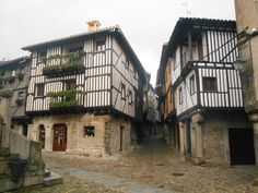 La plaza del Solano y la calle que sube hasta la Fuente de Barrionuevo.