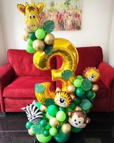 Safari Theme Birthday, Jungle Theme Parties, Birthday Balloon Decorations, Safari Party, Birthday Balloons, Diy Safari Decorations, 3rd Birthday, Jungle Balloons, Dinosaur Balloons