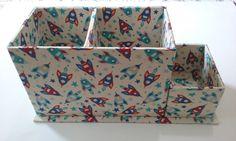 Artesanato Colorido - Aula porta lápis em cartonagem Origami, Scrapbook, Decorative Boxes, Creations, Container, Diy, Youtube, Packaging, Color Crafts