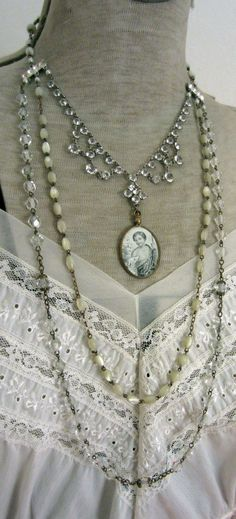 multi-strand and multi-length necklace