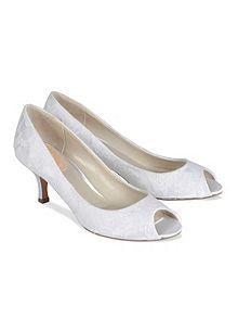 Fondant lace peep toe shoes