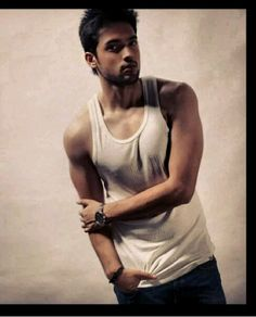 The monster manik hide his innocent face in his monster face....love you parth ....