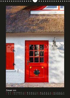 """Deichhaus von 1884 in Ahrenshoop. Monatskalender """"Türen - Meisterwerke aus Fischland, Darß und Zingst 2015"""" von Christian Müringer, Reise- und Naturfotograf"""