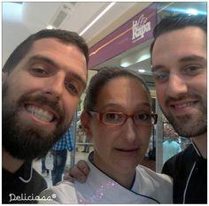 Ayer con #carlosmedina y hoy en #vallsur añadimos al equipo de #vallchef al #topchef con la sonrisa más bonita,  #franvicente!!! y esta tarde de pinche para ellos dos...#celita de #deliciass... un placer disfrutar con los más grandes....un beso chicos!! #deliciassreposteriacreativa. #vallsur. #vallchef #galletasdecoradas #fondantvalladolid #