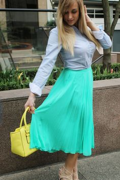 What to wear with a neon purse