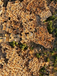 Ghadames, Libya Photograph by George Steinmetz Tight clusters of traditional mud-brick-and-palm houses have stood for centuries in Ghadames, a pre-Roman oasis town in the Sahara. Rooftop walkways allowed women to move freely, concealed from men's view. Credit: National Geographic.