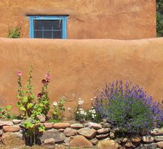 Adobe House: Santa Fe, New Mexico (NM) by Floyd Muad'Dib, via Flickr