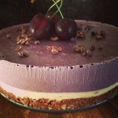 Raw Cherry & Vanilla Cheesecake