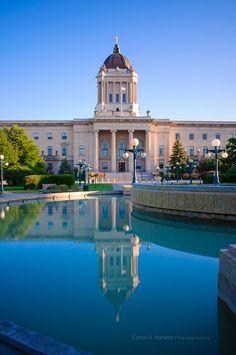 Manitoba Legislative Building, Winnipeg |by Carlos D. Ramirez, via 500px