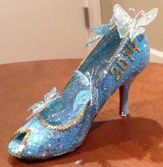 Confessions of a glitter addict: Cinderella Muses Shoe