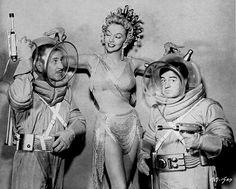 Abbott and Costello go to Mars. Le Fantastique Au Cinéma by Michel Laclos and not in copyright. Fantasy Movies, Sci Fi Movies, Sci Fi Fantasy, New Movies, Movie Tv, Comedy Movies, Abbott And Costello, Science Fiction, Comedy Duos