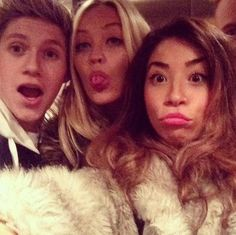 Niall Horan...the girl on the far right is the master of the duckface.