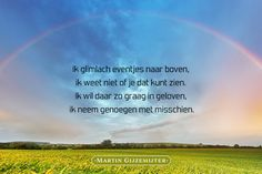 Glimlach naar boven - Dichtgedachten #713 - Martin Gijzemijter Mama Quotes, True Quotes, We Always Love You, Birthday In Heaven, Miss You Dad, Sad Words, Lose Something, In Loving Memory, Grief