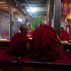 It was incredibly to watch #tibetan #monks #chanting at Thikse Monastery in #Ladakh. What an experience! #travels #traveldiaries #instalike #picoftheday #instamood #thikse #leh #india #adventure #monsoonandbeyond #kashmir