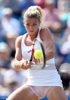Camila Giorgi, Female Volleyball Players, Tennis Players Female, Caroline Wozniacki, Hot Football Fans, Gym Workout Plan For Women, Tennis Photos, Tennis Wear, Gymnastics Photography