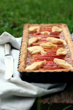 Crostata di mele e confettura di pesche, vaniglia e rum