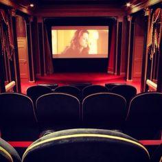 #watchingmovies #athome #neverhavetogotothecinema...