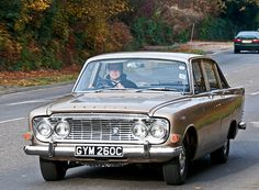 Ford Zodiac MK3 - Classic cars on the London to Brighton route