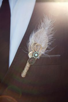 Feathers, Vintage, Rustic Chic, #WeddingFlowers #Boutonniere #WeddingBoutonniere