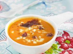 Kalte Tomatensuppe nach spanischer Art ist ein Rezept mit frischen Zutaten aus der Kategorie Suppen. Probieren Sie dieses und weitere Rezepte von EAT SMARTER!