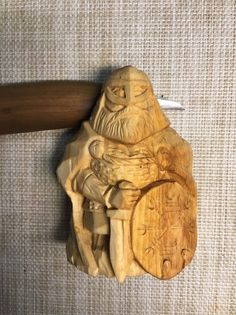 Furious Viking is ready to crush his enemies. For Odin Viking Chess, Viking Art, Wood Carving Art, Stone Carving, Chain Saw Art, Hand Carved Walking Sticks, Whittling Wood, Wooden Art, Picture On Wood