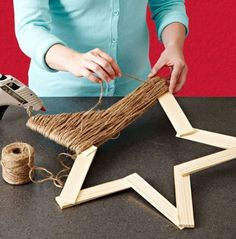 DIY Rustic Star Tree Topper. All you need is balsa wood or Popsicle sticks, jute twine, and a hot glue gun. Can't wait to make this!