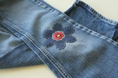 Knee patches - a lost art. My Mother patched jeans for my boys (not with flowers). MM sez: back in the seventies I embroidered colourdul flowers etc to cover up tears etc. Sewing Tutorials, Sewing Hacks, Sewing Crafts, Sewing Projects, Teen Projects, Sewing Clothes, Diy Clothes, Make Do And Mend, How To Make