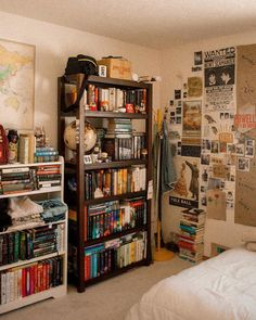 Home Library Ideas Diy Bookshelves Interior Design 47 Ideas Aesthetic Room Decor, Room Goals, Vintage Room, Dream Rooms, Cool Rooms, Small Rooms, House Rooms, House Art, New Room