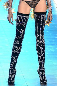 000 crystal constellation star embellished thigh h+ Couture Mode, Style Couture, Couture Fashion, Runway Fashion, Womens Fashion, Brian Atwood, Fashion Heels, Look Fashion, Fashion Outfits