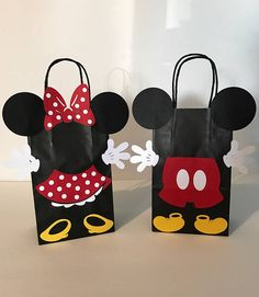 Mickey Mouse Party Decoration Ideas New Minnie Mouse Birthday Party Favor Bags Mickey E Minnie Mouse, Fiesta Mickey Mouse, Mickey Mouse Clubhouse, Mickey Mouse Crafts, Mickey Mouse Shorts, Mickey Mouse Party Decorations, Mickey Mouse Parties, Mickey Party, Disney Parties