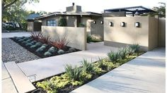 Awesome Modern Front Yard Design and Landscaping Ideas 10 Mid Century Landscaping, Front Yard Landscaping, Landscaping Ideas, Spanish Landscaping, Succulent Landscaping, Patio Privacy, Farmhouse Landscaping, Driveway Landscaping, Privacy Screens