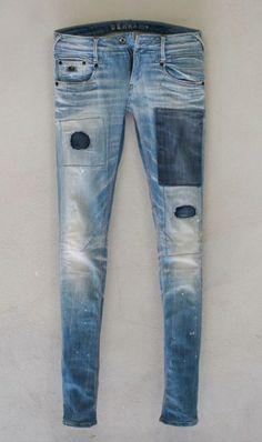 Dark denim patches on light wash skinny denim Denim Outfit, Denim Pants, Patched Denim, Denim Men, Denham Jeans, Cooler Look, Lookbook, Trends, Vintage Denim